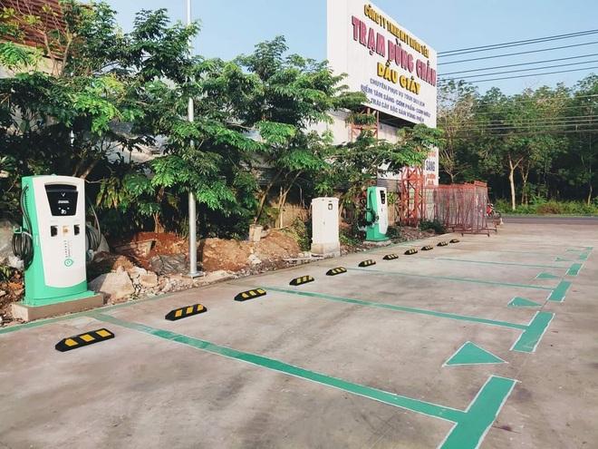 Hơn 8.100 cổng sạc ô tô, xe máy điện VinFast đã được lắp đặt tại 60 tỉnh thành - 3