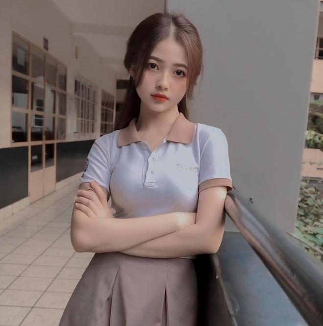 Nữ sinh 18 tuổi đẹp ngọt ngào gieo thương nhớ cho dân mạng - 1