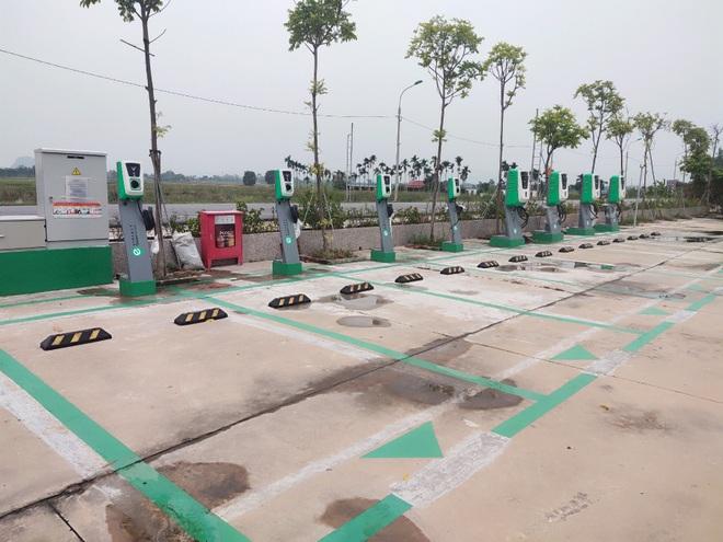 Hơn 8.100 cổng sạc ô tô, xe máy điện VinFast đã được lắp đặt tại 60 tỉnh thành - 5