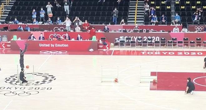 Robot ném bóng rổ siêu đỉnh tại Olympic 2020 làm kinh ngạc người xem - 2