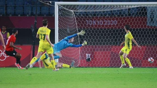 Các đối thủ của đội tuyển Việt Nam thể hiện ra sao tại Olympic Tokyo? - 2
