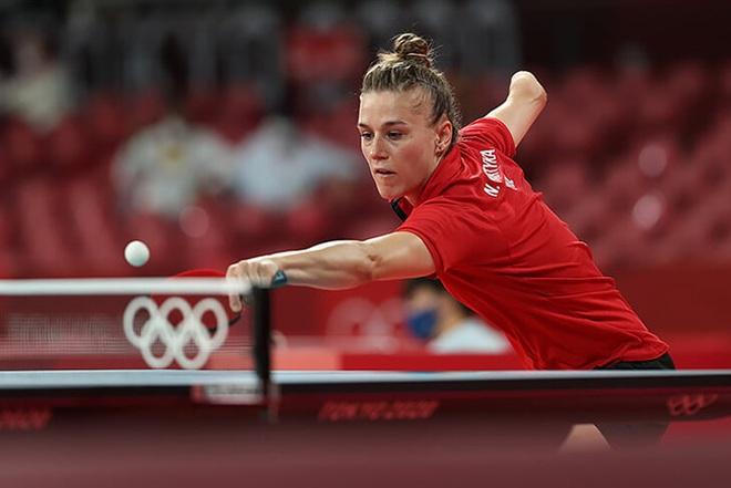 Nữ VĐV đặc biệt nhất ở Olympic: Mất một tay nhưng vẫn… giành chiến thắng - 4