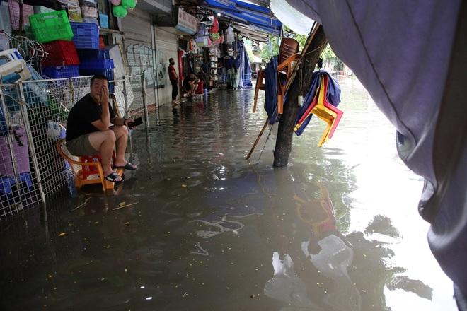 Lời khuyên kỳ lạ của dân buôn bất động sản: Đi xem nhà vào ngày mưa lớn - 1
