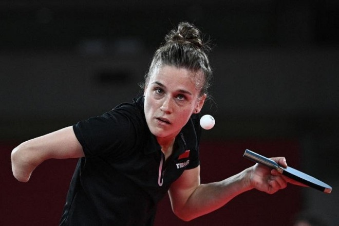 Nữ VĐV đặc biệt nhất ở Olympic: Mất một tay nhưng vẫn… giành chiến thắng - 3