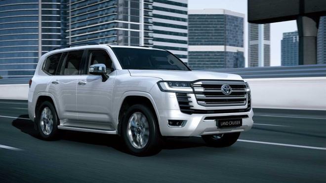 Toyota nói gì về việc cấm khách mua Land Cruiser bán lại xe? - 2