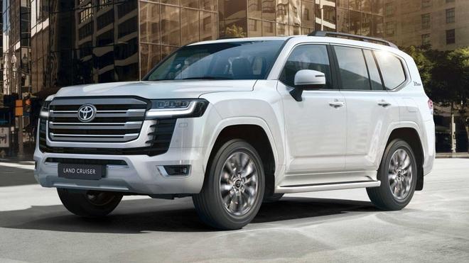 Toyota nói gì về việc cấm khách mua Land Cruiser bán lại xe? - 4