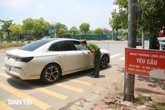Cận cảnh những chốt chặn độc lạ ở Hà Nội - 9