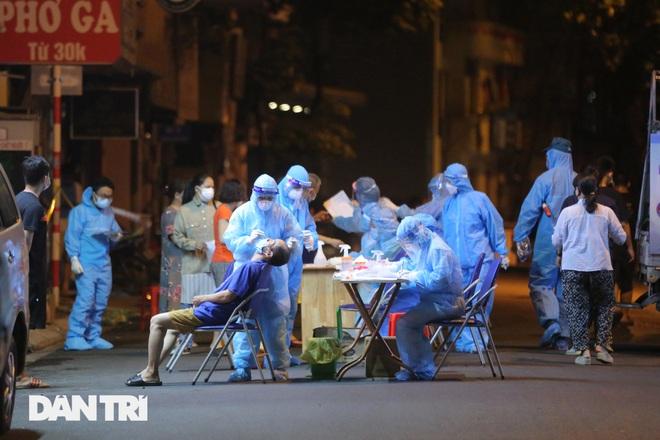 Bản tin Covid-19: Số F0 tại TPHCM đi ngang, Hà Nội có 11 chùm ca bệnh - 4