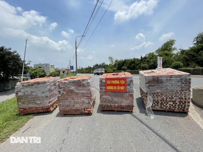 Cận cảnh những chốt chặn độc lạ ở Hà Nội - 5