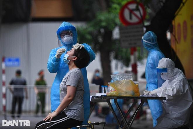 Tối 31/7: 4.564 ca Covid-19, Việt Nam tiêm gần 6 triệu liều vắc xin - 1