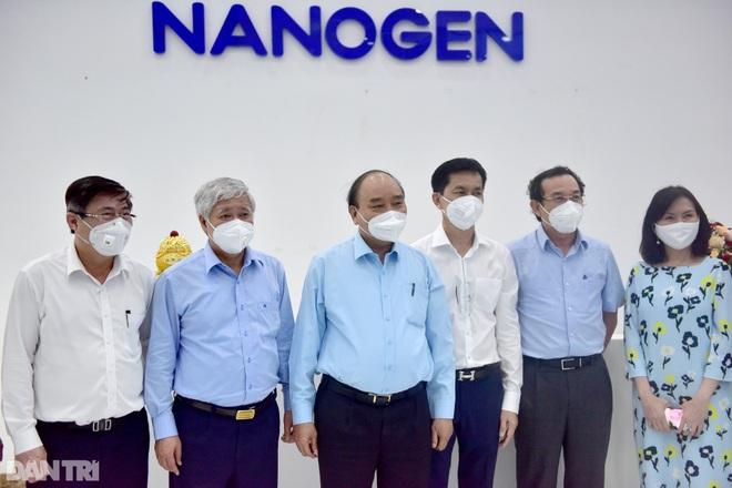 Chủ tịch nước đề nghị Bộ Y tế xem xét, sớm cấp phép vắc xin Nanocovax - 2