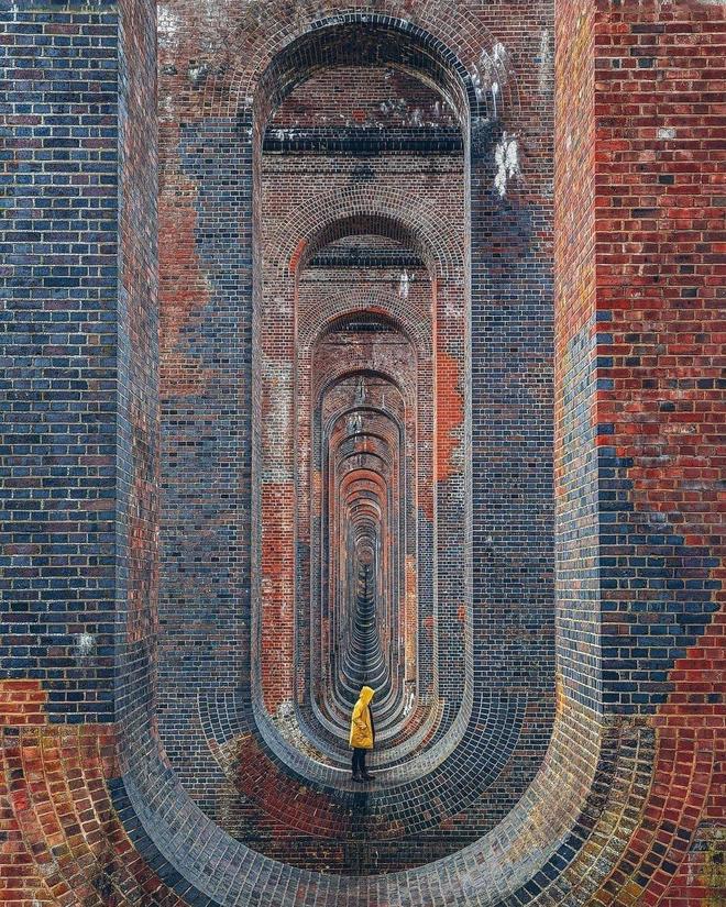Cây cầu sống ảo ấn tượng bậc nhất nước Anh - 4