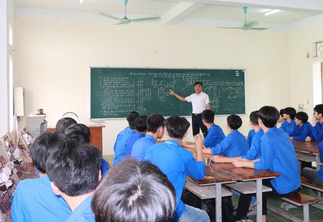 Nhiều học sinh trường nghề có điểm thi tốt nghiệp THPT ấn tượng - 1