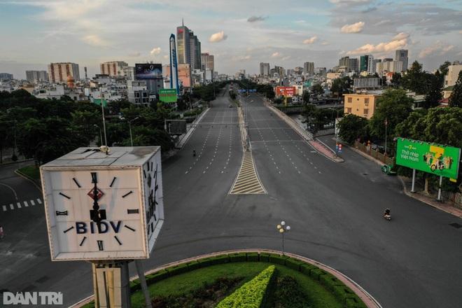 Bản tin Covid-19: Số F0 tại TPHCM đi ngang, Hà Nội có 11 chùm ca bệnh - 1