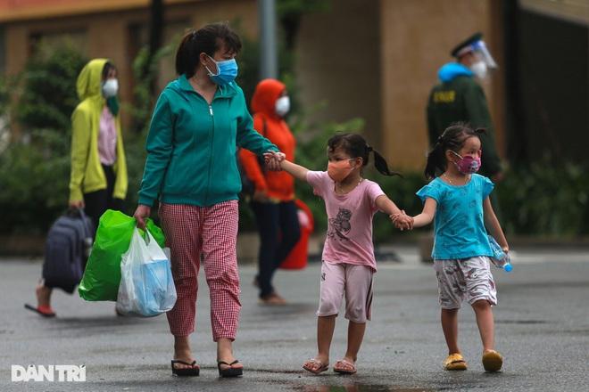 Bản tin Covid-19: Số F0 tại TPHCM đi ngang, Hà Nội có 11 chùm ca bệnh - 3