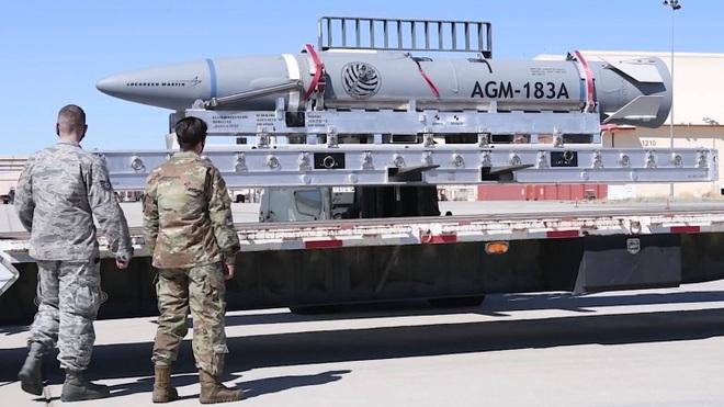Mỹ lần thứ 2 phóng xịt tên lửa siêu vượt âm từ pháo đài bay B-52 - 1