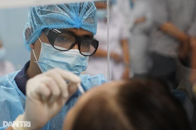 Sáng 31/7, thêm 4.060 ca Covid-19, gần 6 triệu người được tiêm vắc xin - 1