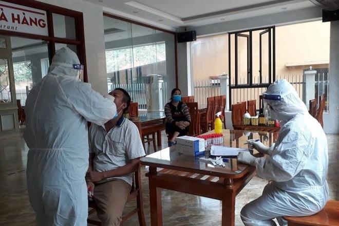 Tài xế dương tính SARS-CoV-2 ở Quảng Bình, CDC 6 tỉnh cấp tốc truy vết   - 2