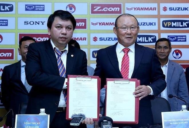 HLV Park Hang Seo bất ngờ nói nước đôi về chuyện gia hạn hợp đồng - 1