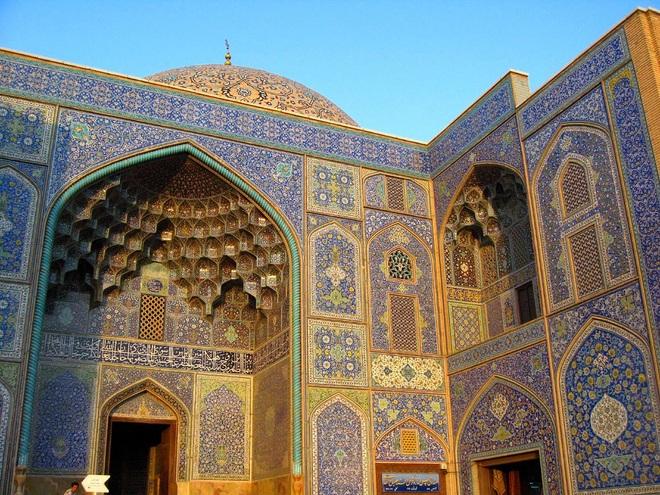 Vẻ đẹp mê mẩn của nhà thờ được mệnh danh là siêu phẩm kiến trúc - 2