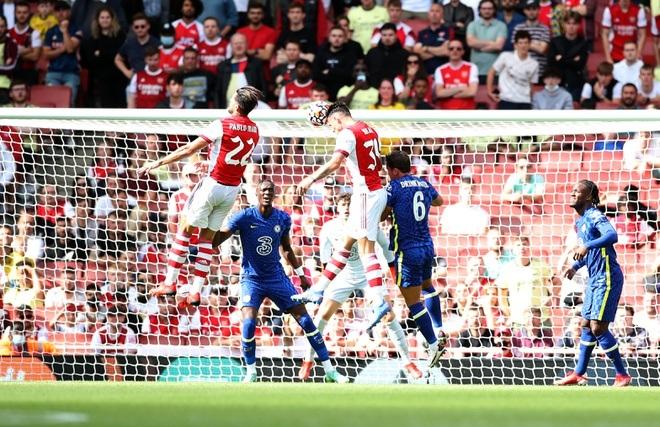 Hàng thủ sai lầm nghiêm trọng, Arsenal gục ngã trước Chelsea - 2
