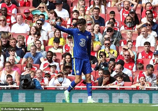 Hàng thủ sai lầm nghiêm trọng, Arsenal gục ngã trước Chelsea - 1