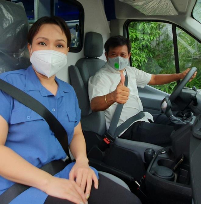 Việt Hương trao tặng xe cứu thương 2,5 tỷ cho ông Đoàn Ngọc Hải - 2