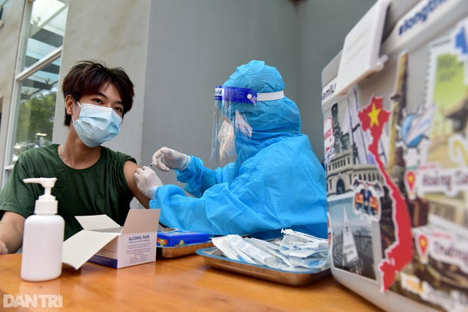 TPHCM quyết liệt đẩy nhanh tiến độ tiêm vắc xin trong tháng 8 - 2