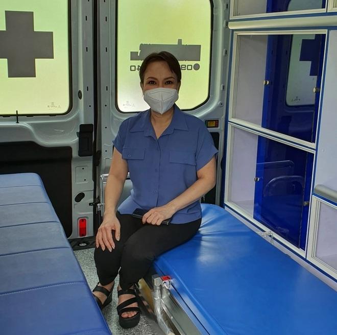 Việt Hương trao tặng xe cứu thương 2,5 tỷ cho ông Đoàn Ngọc Hải - 5