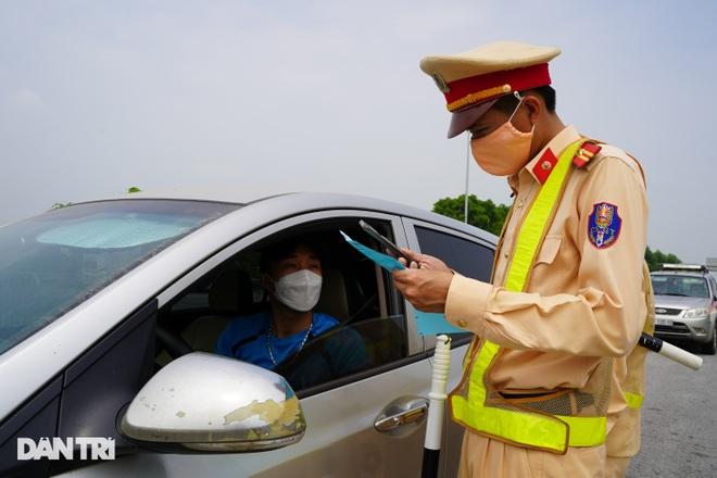 Tài xế bức xúc việc trả phí cao tốc khi phải quay xe không được vào Hà Nội - 6