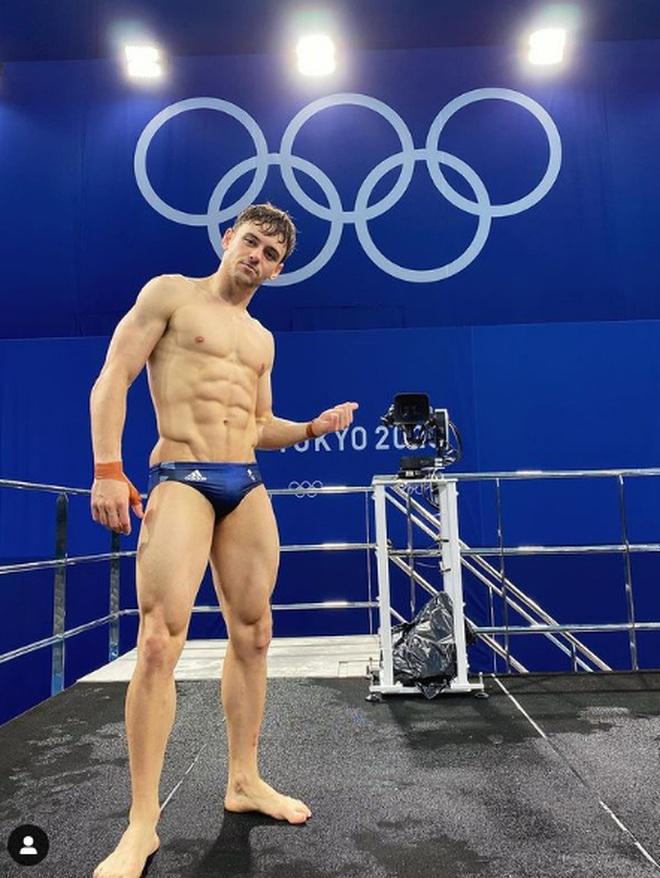 Hình thể sáu múi mãn nhãn của mỹ nam Olympic mê... đan len - 3