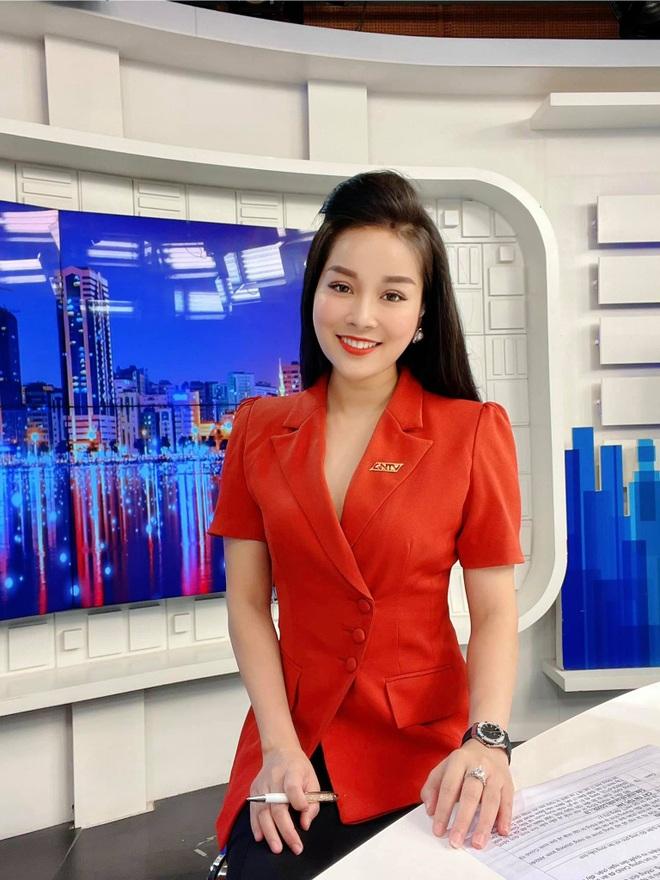 15 năm Nhật ký Vàng Anh, Minh Hương từ con hóa bạn gái NSND Mạnh Cường - 3