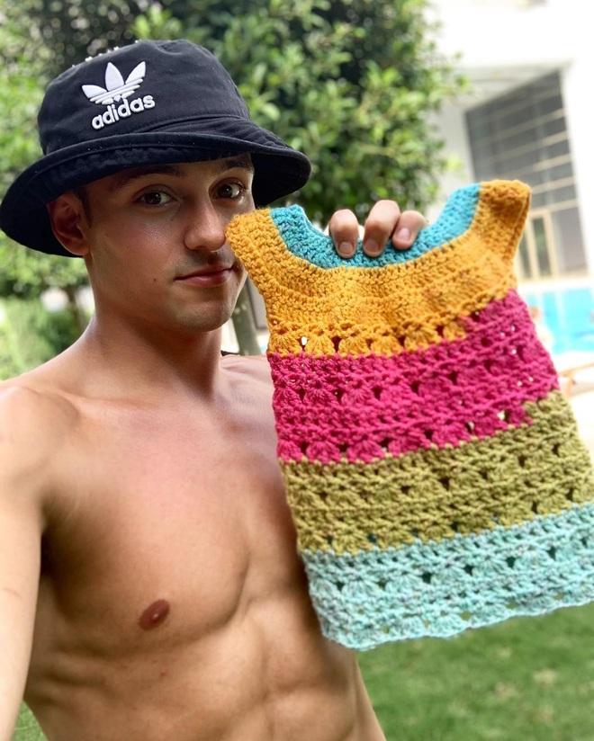 Hình thể sáu múi mãn nhãn của mỹ nam Olympic mê... đan len - 9