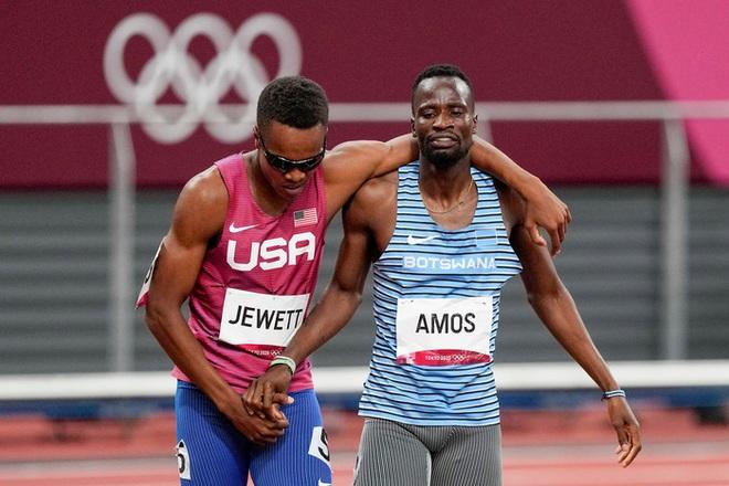 Cái kết cực đẹp cho siêu nhân không mặc áo choàng ở Olympic 2020 - 4