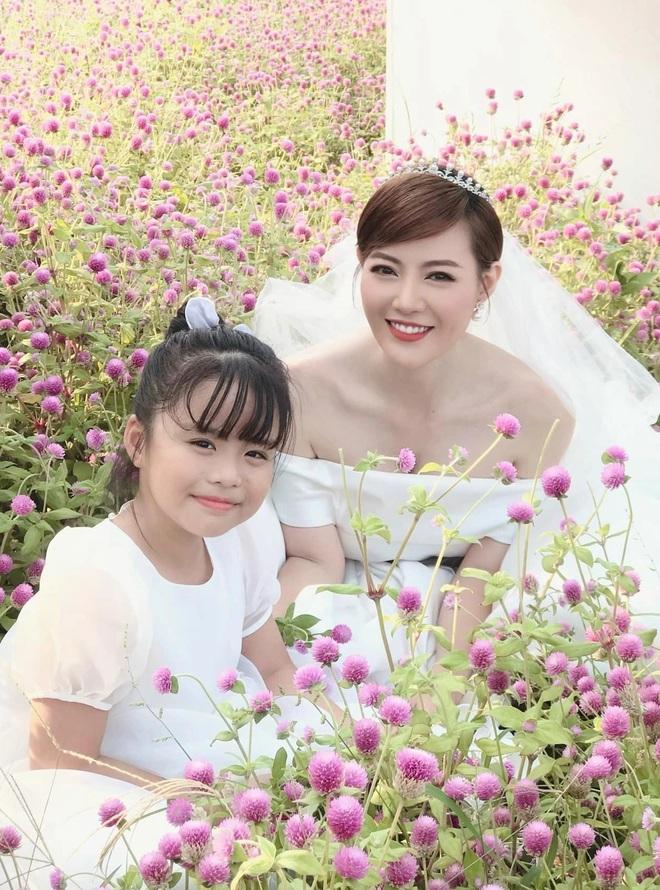 Lệ Mùa hoa tìm lại hé lộ đời tư Đồng, Núi, Hoa, Hoàn: Kẻ ế, người đề huề - 9