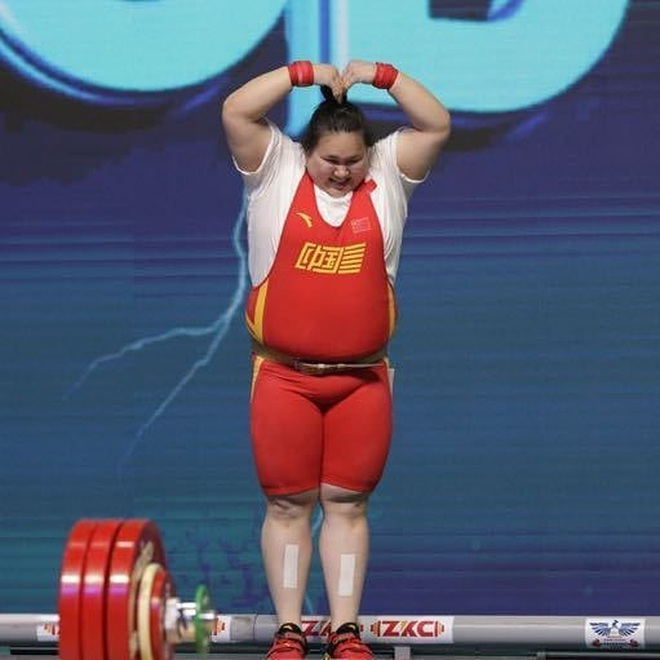 Chân dung nữ lực sĩ Trung Quốc đánh bại VĐV từng là nam ở hạng trên 87kg - 5