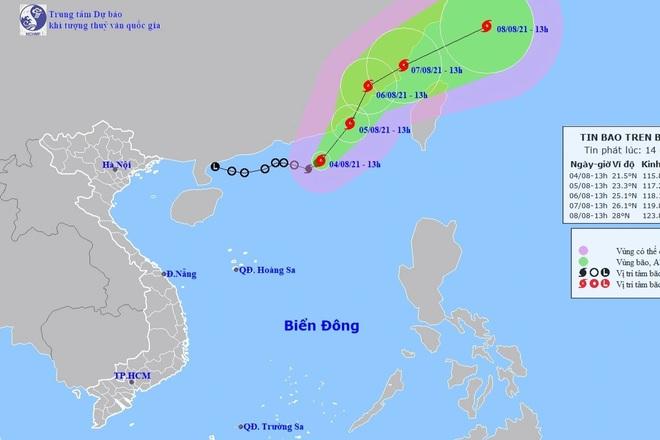 Bão số 4 gây mưa to gió lớn, tàu thuyền đề phòng nguy hiểm - 1