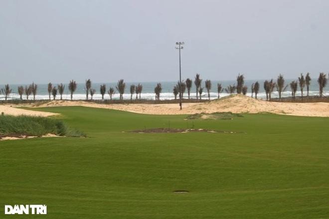 Giám đốc Sở Du lịch và cán bộ Cục Thuế tiếp xúc F0 khi đi chơi golf