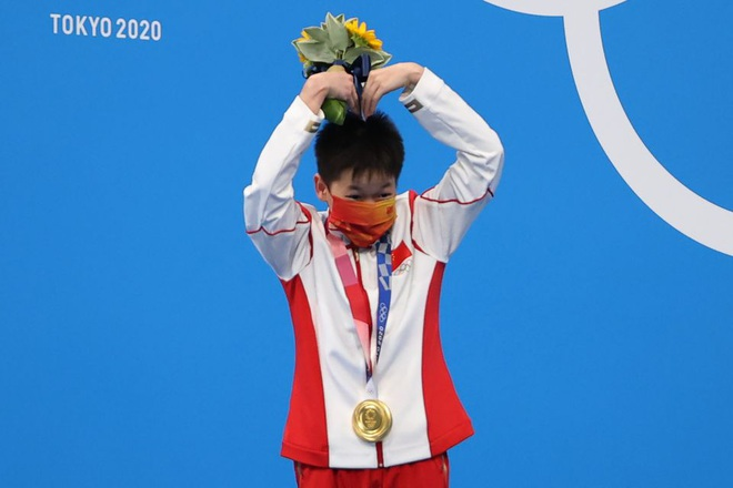 Ngả mũ với màn nhảy cầu đẹp mắt, hoàn hảo tuyệt đối của bé gái Trung Quốc - 2