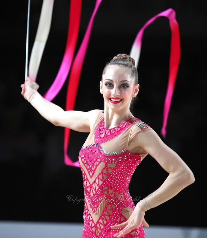 Vẻ đẹp yêu kiều của công chúa thể dục nhịp điệu Bulgaria dự Olympic 2020 - 8