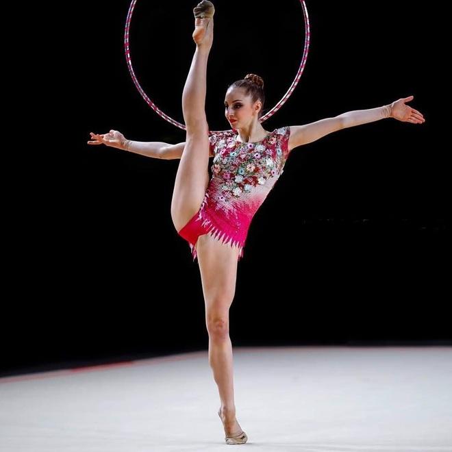 Vẻ đẹp yêu kiều của công chúa thể dục nhịp điệu Bulgaria dự Olympic 2020 - 4