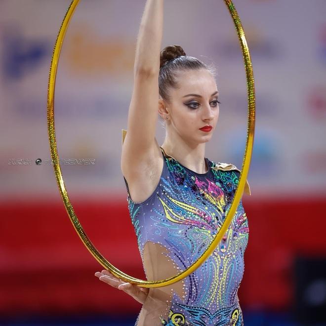 Vẻ đẹp yêu kiều của công chúa thể dục nhịp điệu Bulgaria dự Olympic 2020 - 3