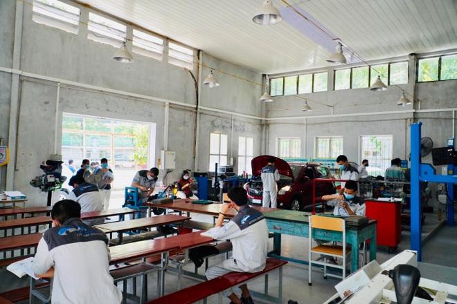 Sinh viên trường nghề 3 tại chỗ, sẵn sàng chuyển tiếp xuống doanh nghiệp - 4