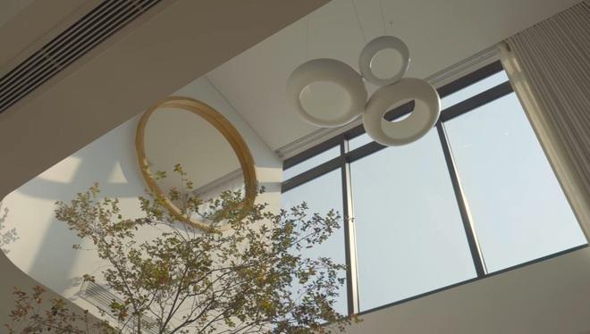 Tiết lộ thiết kế căn penthouse 2 tầng khiến chủ nhà không muốn ra ngoài - 2