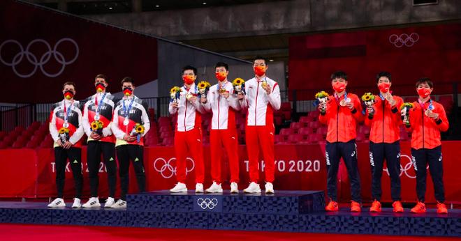 Giành HCV đồng đội nam, Trung Quốc độc tôn ở môn bóng bàn Olympic - 1