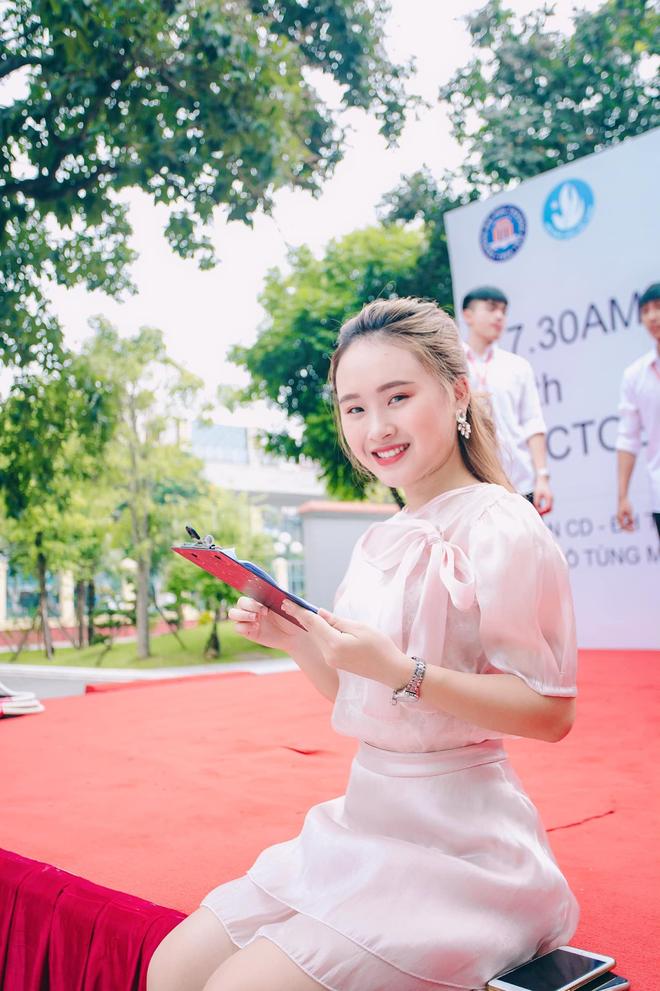 Nữ MC trẻ trường ĐH Thương Mại: Hãy gõ, cánh cửa sẽ mở ra - 5