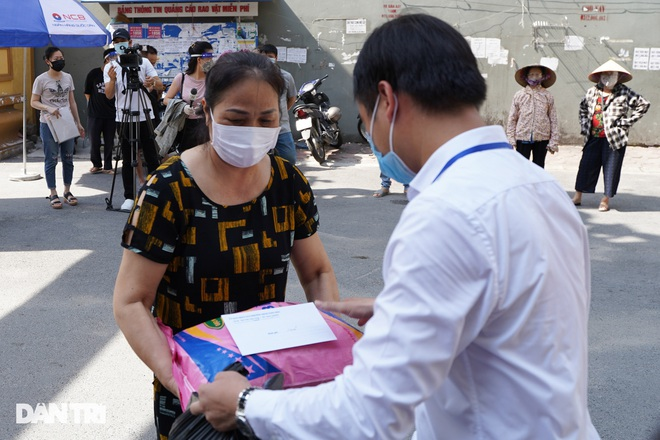 Nghị quyết 68: Hàng loạt lao động tự do ở Hà Nội nhận hỗ trợ 1,5 triệu đồng - 5
