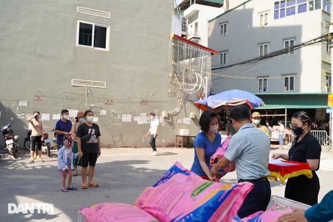 Nghị quyết 68: Hàng loạt lao động tự do ở Hà Nội nhận hỗ trợ 1,5 triệu đồng - 2