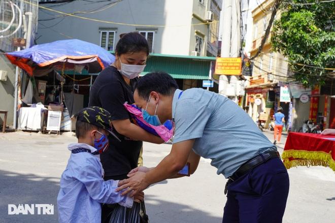 Nghị quyết 68: Hàng loạt lao động tự do ở Hà Nội nhận hỗ trợ 1,5 triệu đồng - 6