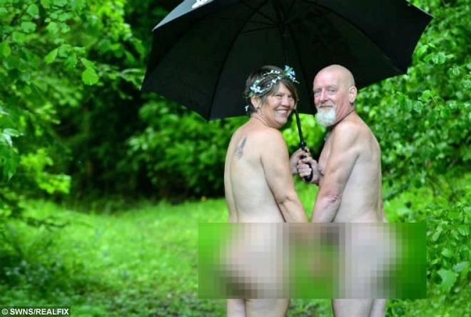 Cặp đôi khỏa thân trong ngày cưới vì theo chủ nghĩa tự nhiên - 2